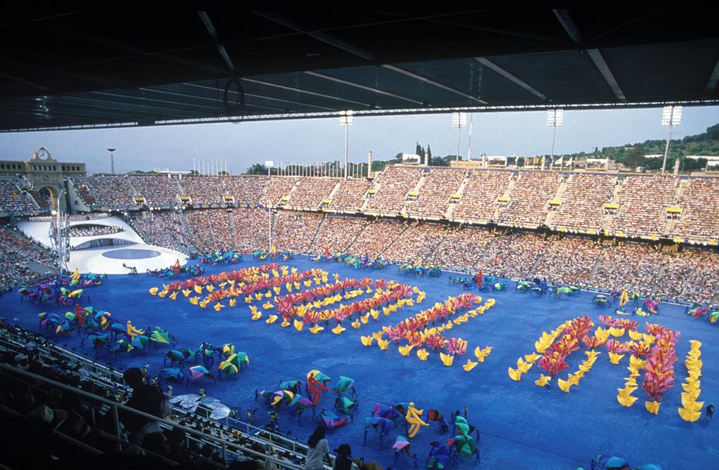 00dfbd45f3 7636066058 9bb8cedfa7 b. Cerimônia de abertura das Olimpíadas Barcelona 1992