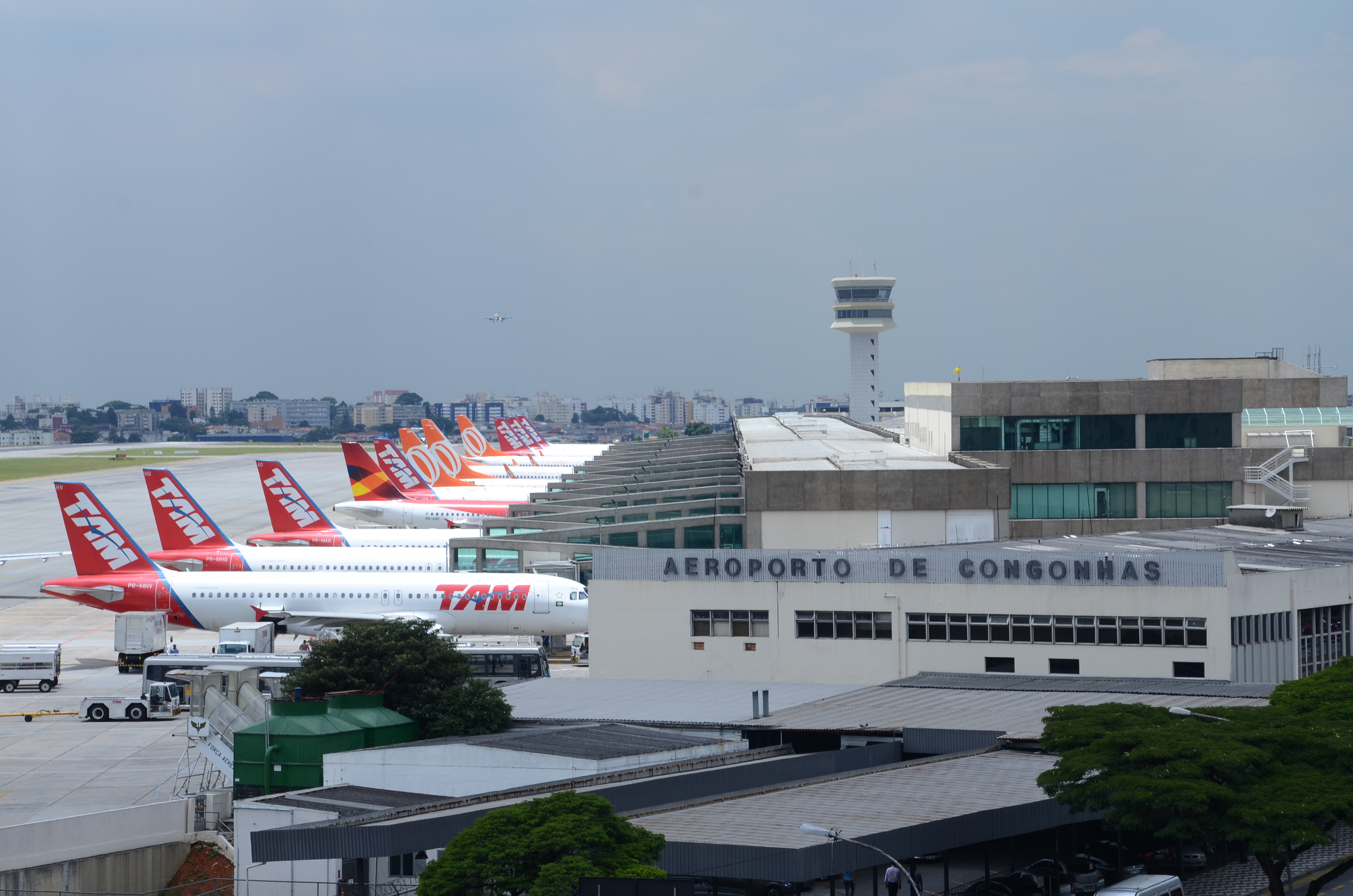 Aeroporto Sp : Congonhas comemora 80 anos veja 10 curiosidades e fotos antigas