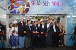 Primeiro dia da Aviesp Expo tem corredores movimentados; veja fotos