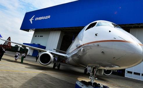 Boeing e Embraer negociam parceria comercial; acordo está próximo