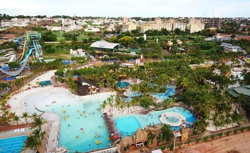 Cidade no interior paulista é conhecida por abrigar um dos mais conhecidos parques aquáticos do país