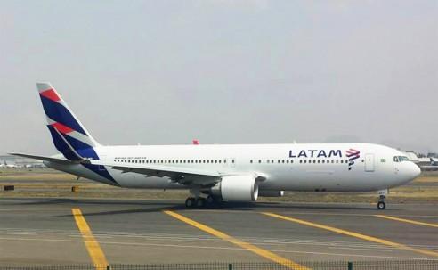 B767-300ER que fará voo inaugural do Grupo Latam é flagrado no México