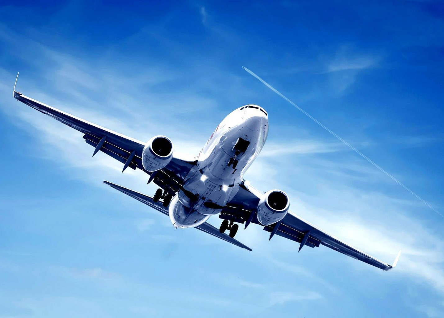 Demanda aérea recua 70% em novembro; Brasil registra queda superior a 34%