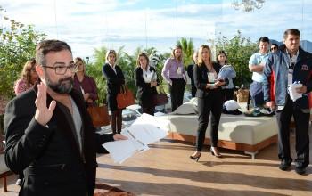 Com 36 operadores e 60 fornecedores, Business Center agita 2° dia de BNT; fotos