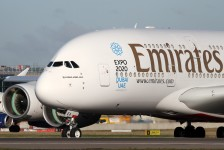 Emirates avalia cancelar encomenda de mais da metade dos A380s