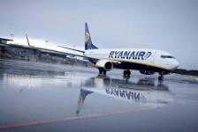 Ryanair reduz previsão de lucro e corta capacidade para segurar custos