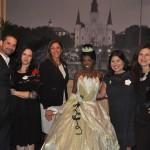 Equipe da Disney - Angel, Paula, Débora, Sarah e Flávia, com a princesa Tiana