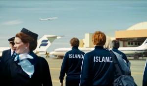 Icelandair homenageia seleção da Islândia após façanha na UEFA Euro 2016; veja vídeo