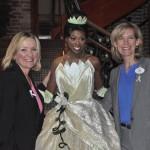 Sharon Siskie e Lynn Clark com a princesa Tiana