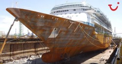 Assista a transformação do Splendour of the Seas em TUI