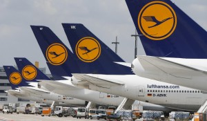 """Lufthansa é """"obrigada"""" a expandir voos do B747 entre Frankfurt e Berlim"""