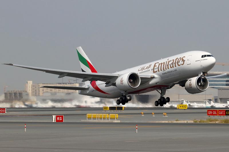 Emirates-Boeing-777-200LR