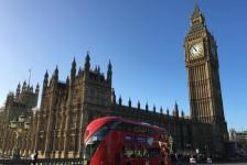 Reino Unido suspende todos os corredores de viagem