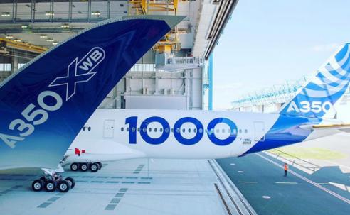 Airbus faz a alegria dos fãs ao revelar foto oficial do 1° A350-1000