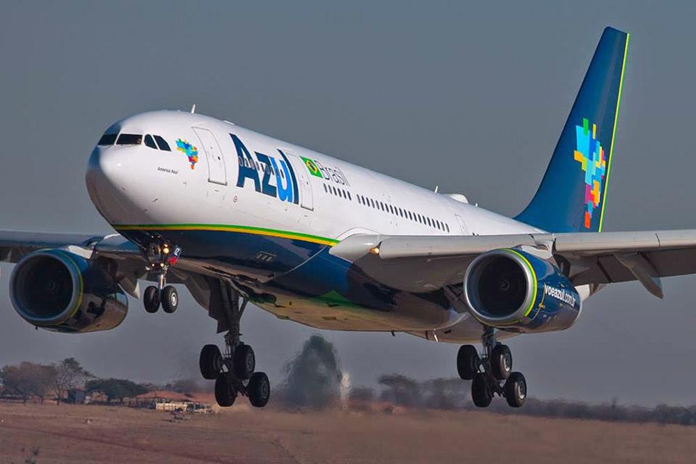 Resultado de imagem para A330 azul