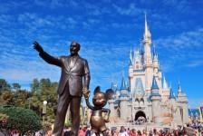 Disney desenvolve espaço que carrega celulares por energia sem fio; entenda