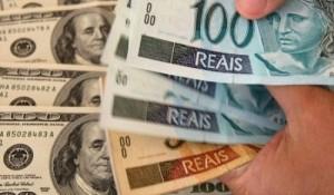 Dólar começa setembro com 2ª maior cotação da história do Plano Real