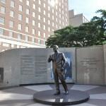 Monumento em homenagem a John Kennedy, que passou sua última noite em Fort Worth