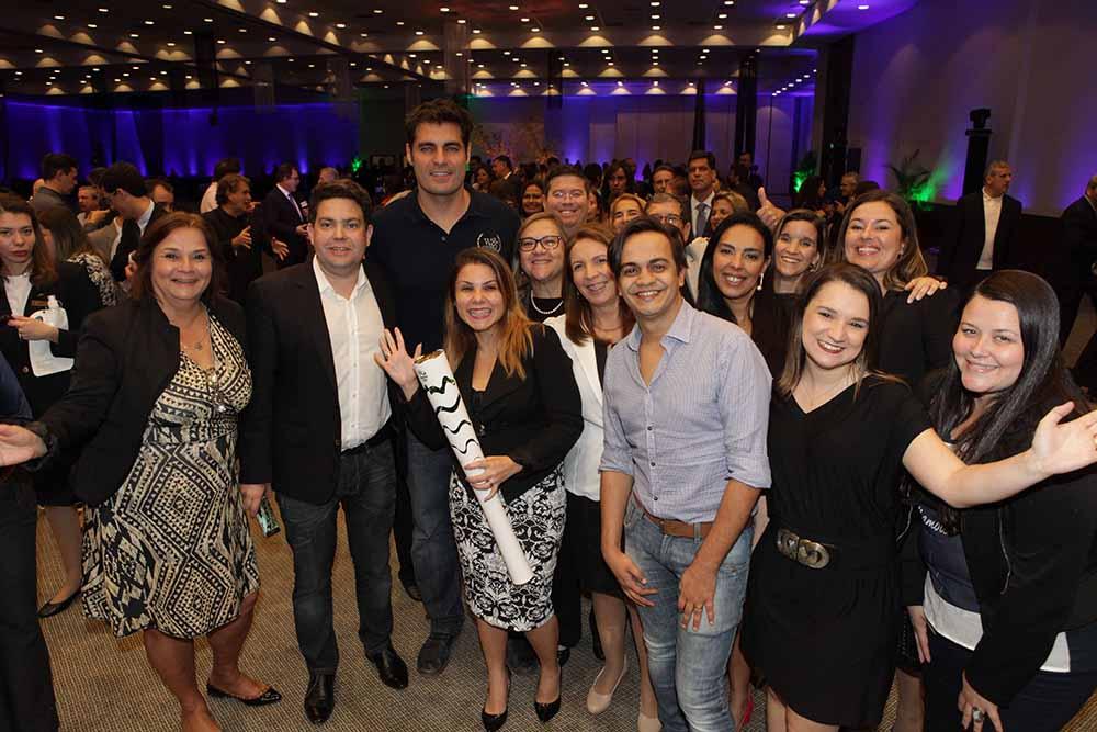 Solenidade de apresentação com o ator Tiago Lacerda que levou a tocha olímpica