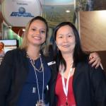 Daiana Moreira, da Abracorp, e Aline Haranaka, da Aviesp, comemoram o anivesário na Abav Expo 2016