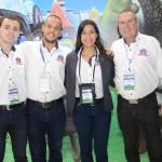 Daniel, Renato, Rafaela e Sidnei, do Beto Carrero World