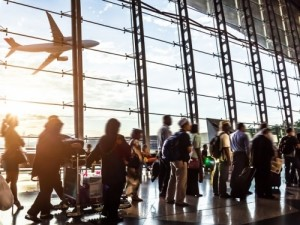 Tráfego de passageiros sobe 3,4% em outubro; Brasil supera média mundial