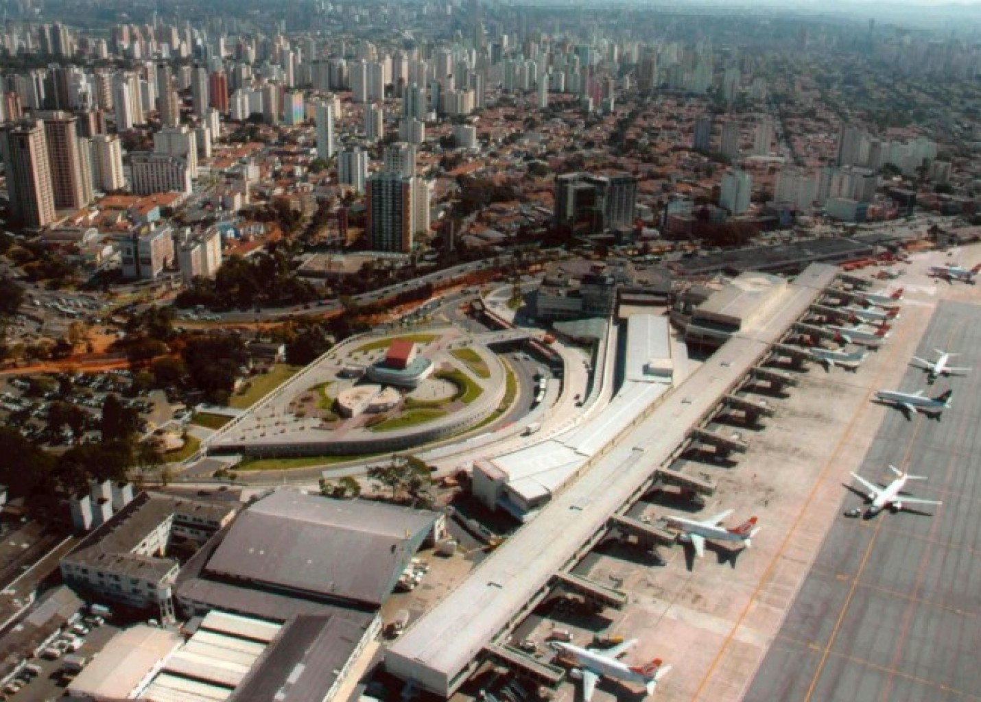 """Guerra dos Slots"": disputa por Aeroporto de Congonhas ganha novos concorrentes"
