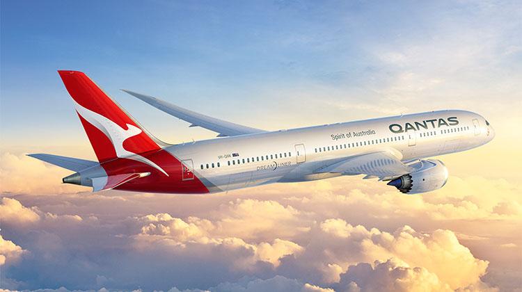 new-Qantas-livery-787