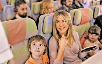 A380 volta a ser destaque em nova campanha da Emirates estrelada por Jennifer Aniston; veja vídeo