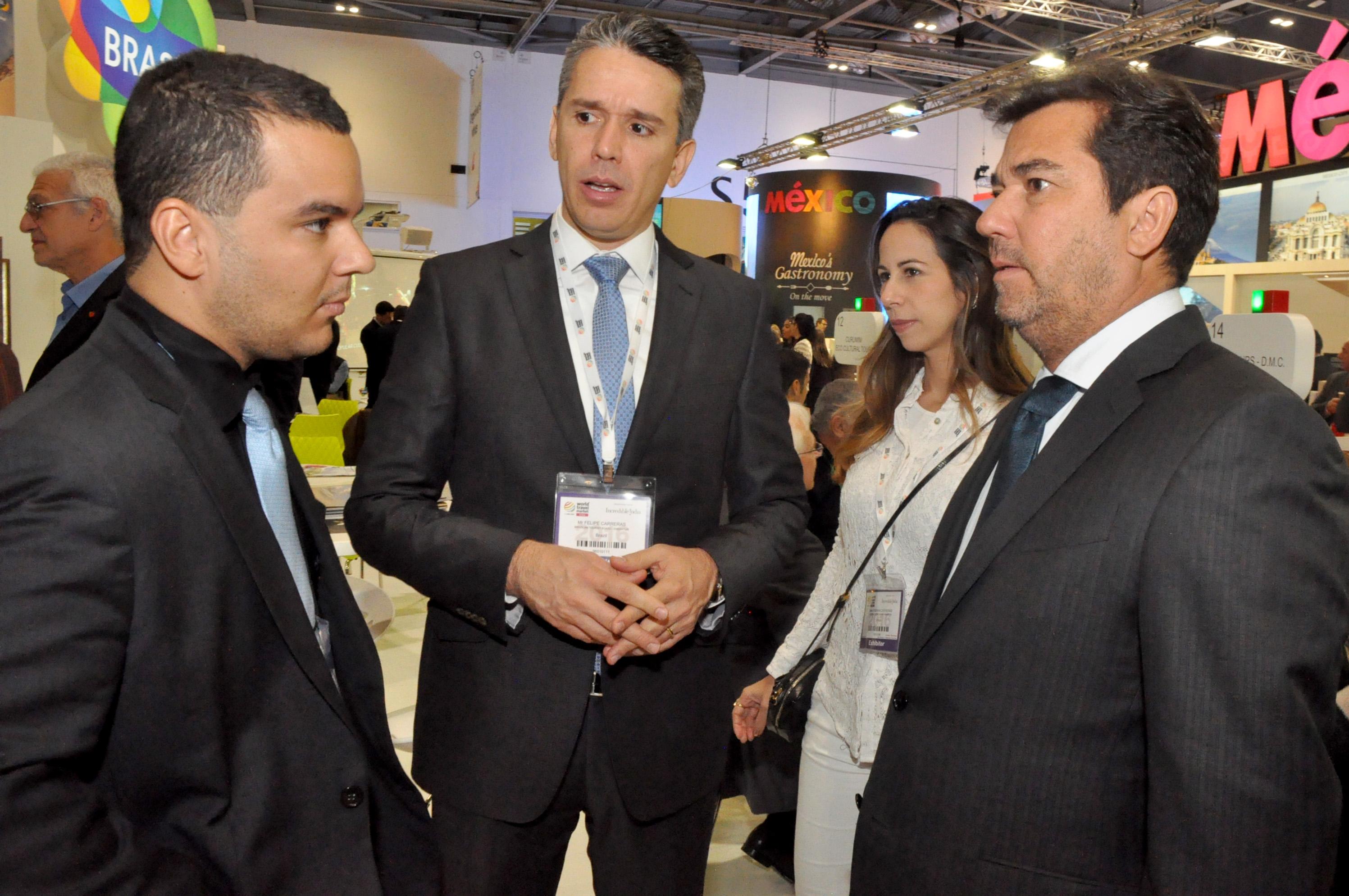 Diego Araujo, secretário de Cultura e Turismo do MA, Felipe Carreras, secretário de Turismo, Lazer e Esportes de PE, e Ruy Gaspar, secretário de Turismo do RN