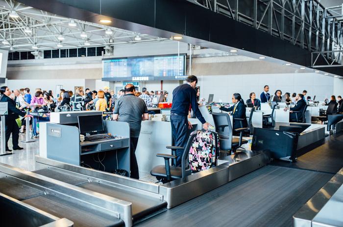 Aéreas atualmente são obrigados à despachar uma mala de forma gratuita (Foto: divulgação/ RIOGaleão)