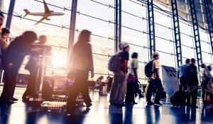 Estudo revela que 43% das viagens de negócios são estendidas para lazer pessoal