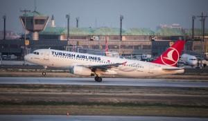 Turkish se une à celebridades para combater a fome na Somália