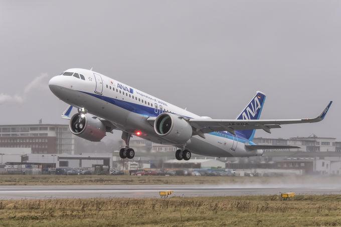 A aeronave A320neo conta com uma nova tecnologia de motores de avião que ajudam no consumo de combustível