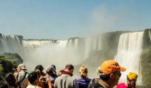 Visto eletrônico impulsiona número de turistas norte-americanos em Foz do Iguaçu