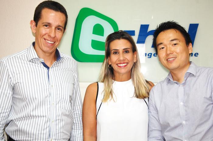 Flávio Louro, diretor da E-HTL, Juliana Tamae, gerente de Vendas Nacional, e Kleber Yoshida, gerente de Marketing