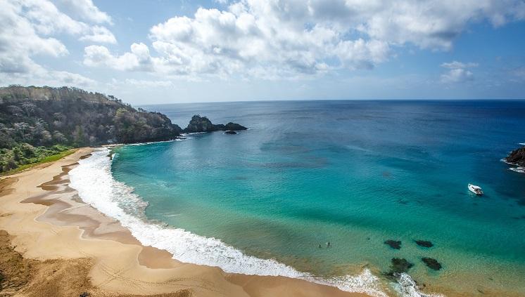 Ilha deve receber cerca de 16 mil turistas até o final de fevereiro (Foto:Embratur)