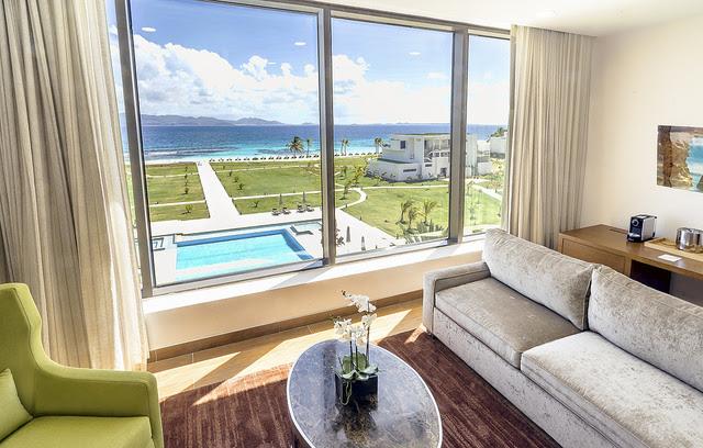 Hotel de luxo tem quartos com vista para o mar (Foto: Divulgação)