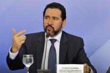 Ministro confirma concessão de aeroportos para março