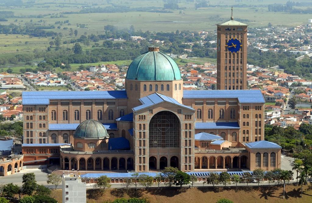 Basílica de Nossa Senhora da Aparecida, na cidade de Aparecida (Foto: Valter Campanato/ABr)