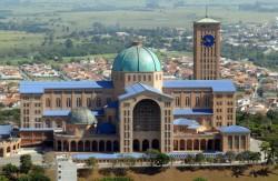 Turismo religioso já movimenta R$ 15 bilhões e atrai quase 18 milhões de pessoas