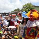 Início do desfile de bonecos em Olinda