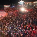 Multidão compareceu ao Marco Zero