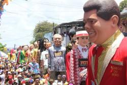 Veja fotos do carnaval em Olinda, terra dos bonecos gigantes
