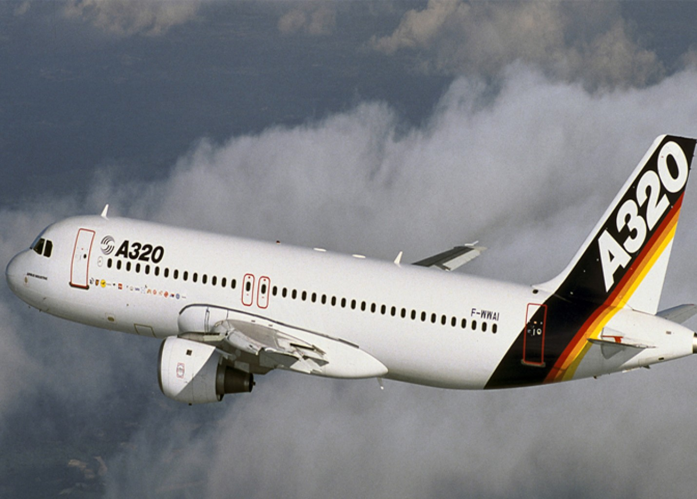Airbus celebra 30 anos de operações do A320 com homenagem especial; veja vídeo
