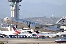 """""""Emirates, Etihad e Qatar saturaram o transporte aéreo norte-americano"""", dizem senadores"""