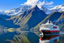 Noruega proíbe cruzeiros após surto de Covid-19 em navio