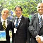 Claudio Maia, da Itaparica Tour, José Alves, secretário de Turismo da Bahia, e Eduardo Ramos, da Setur-BA