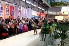 Brasil traz atrações culturais e anima fim de semana de ITB 2017; veja fotos