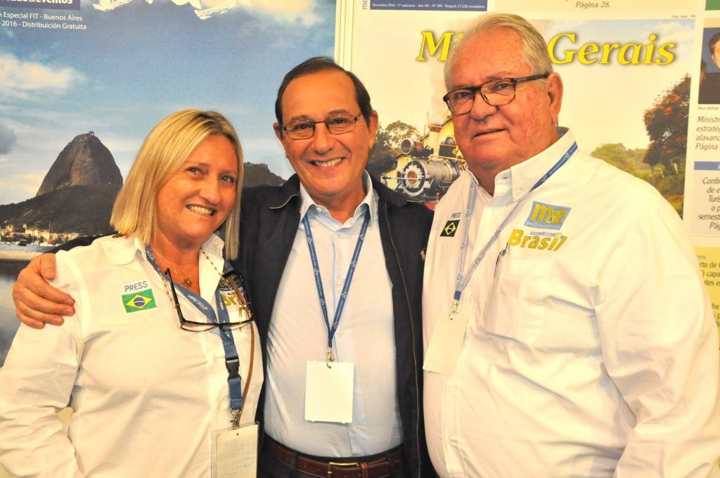 Luiz da Gama Mór, da Tap, entre Rosa Masgrau e Roy Taylor, do M&E